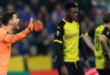 Borussia Dortmund secara mengejutkan disingkirkan RB Salzburg di Liga Europa, setelah kedua tim bermain imbang 0-0 di leg ke dua babak 16 besar Liga Europa, Jumat (16/3).