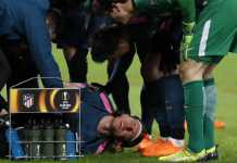 Filipe Luis - dan juga Juanfran, jadi tumbal bagi kemenangan telak 5-1 Atletico Madrid di kandang Lokomotiv Moscow pada leg ke dua babak 16 besar Liga Europa, Jumat (16/3) dinihari WIB.