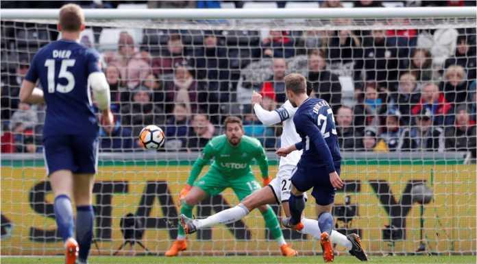Christian Eriksen mencetak gol pertama bagi Tottenham Hotspur pada laga perempat final Piala FA, Sabtu, di kandang Swansea City.