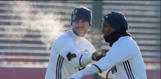 Ashley Young dukung sang pelatih, Jose Mourinho, tekait Luke Shaw.
