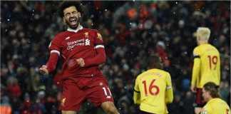 Striker Liverpool Mohamed Salah merayakan salah satu dari empat golnya ke gawang Watford pada laga Liga Inggris, Minggu