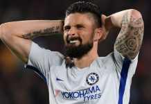 Olivier Giroud frustrasi terus-terusan tak bisa mencetak gol di Chelsea.