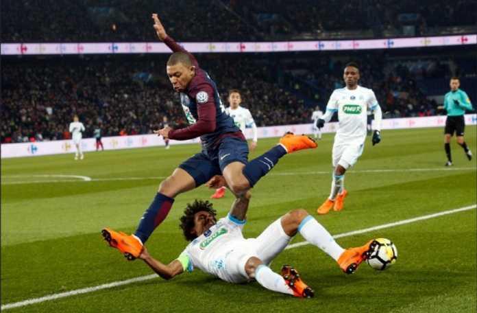 PSG khawatir kehilangan satu lagi pemain andalannya, Kylian Mbappe, yang mendapat masalah dalam laga melawan Olympique Marseille di ajang Piala Prancis yang dimenangkan PSG 3-0, Kamis (1/3) dinihari tadi.