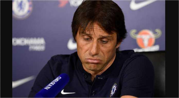 Antonio Conte muncul di berbagai postingan Twitter selama sejam terakhir, Senin malam, dirumorkan akan segera dipecat oleh Chelsea dalam hitungan jam ke depan.
