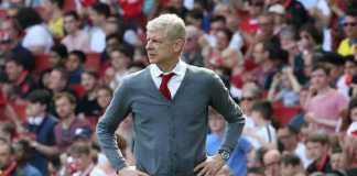 Arsene Wenger disebut-sebut mantan petinggi Arsenal, David Dein, sudah kebanjiran tawaran baru.