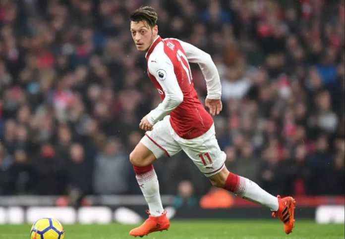 Pelatih Atletico Madrid, Diego Simeone, waspadai Mesut Ozil sebagai ancaman nyata Arsenal terhadap skuadnya di leg pertama semifinal Liga Europa, Jumat (27/4) dinihari nanti.