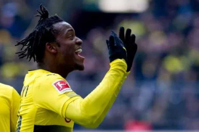Chelsea tetapkan harga Michy Batshuayi yang ingin dipermanenkan Borussia Dortmund.