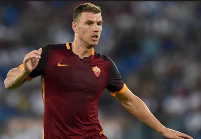 Berhasil membawa AS Roma kandaskan Barcelona dan melaju ke semifinal Liga Champions, Edin Dzeko mengaku bersyukur pernah menolak Chelsea.