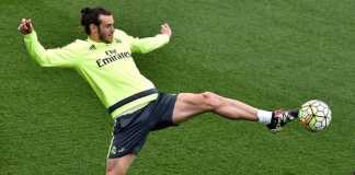 Gareth Bale tersanjung dikaitkan dengan Bayern Munchen, walau ia berharap dapatkan waktu bermain lebih banyak di Real Madrid.