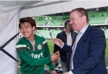 Klub Belanda, Groningen, tolak mentah-mentah tawaran Manchester City yang ingin memiliki sebagian saham pemain muda asal Jepang, Ritsu Doan.