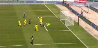 Adegan ketika Ivan Perisic mencetak gol kedua Inter Milan di kandang Chievo, Minggu malam.