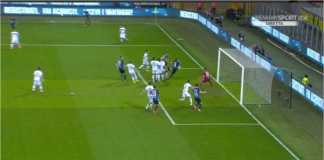 Proses terjadinya gol cepat Inter Milan di menit ketiga. Joao Cancelo di pojok kiri atas gambar melepaskan tendangan bebas, dan lolos masuk ke gawang Cagliari, Rabu.
