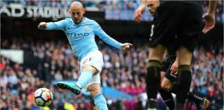 Adegan ketika David Silva mencetak gol pertama Manchester City saat menjamu Swansea CIty pada ajang Liga Inggris, Minggu tengah malam.