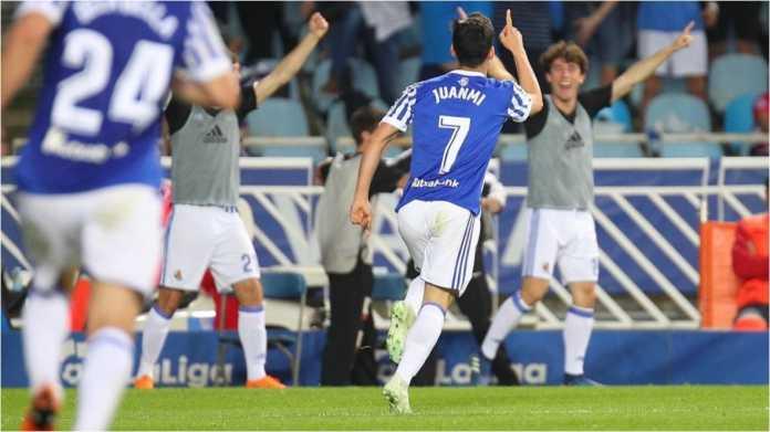Juanmi merayakan golnya ke gawang Atletico Madrid pada laga Liga Spanyol di kandang Real Sociedad, Jumat dinihari