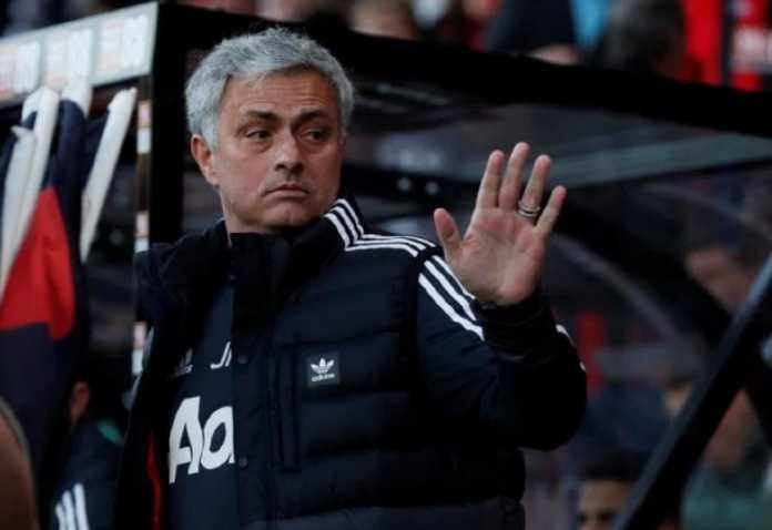 Jose Mourinho tegaskan, hanya ada 3 pemain inti yang tetap di Starting XI Manchester United di laga melawan Tottenham Hotspur akhir pekan ini.