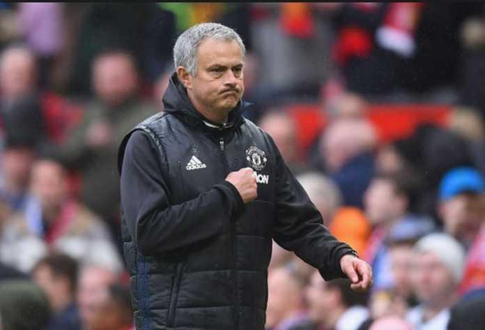 Walau Manchester City bisa melaju ke posisi teratas dengan selisih hingga 16 poin, namun pelatih Manchester United Jose Mourinho sebutkan ada lima tim yang harusnya bisa jadi penantang City dalam memburu gelar musim ini.