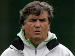 Eks pelatih papan atas dunia, Henri Michel, meninggal dunia di usia 70 tahun, Selasa (24/4) waktu setempat.