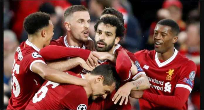 "Striker Liverpool Mohamed Salah ""dikeroyok"" rekan setimnya setelah mencetak dua gol ke gawang AS Roma dalam laga semi final Liga Champions yang berakhir 5-2, tadi malam."