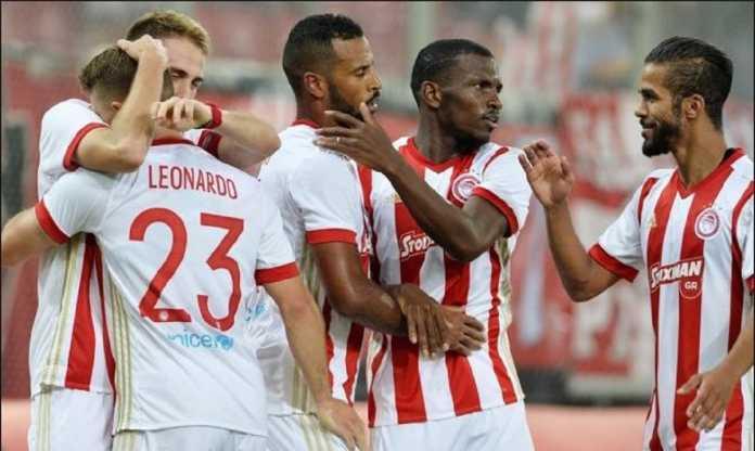 Olympiakos menghukum para pemainnya dengan berlibur walau musim masih menyisakan empat pertandingan lagi, setelah terancam kehilangan gelar juaranya di musim ini.