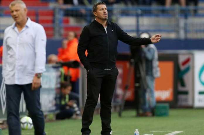 Setelah liburkan para pemain utamanya, kini Olympiakos ditinggal pelatihnya, Oscar Garcia.