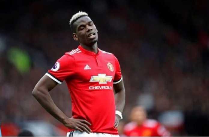 Manchester United dikatakan Garth Crooks bisa jadi juara Liga Premier kalau tak datangkan Paul Pogba, tapi merekrut Fernandinho - gelandang Manchester City.