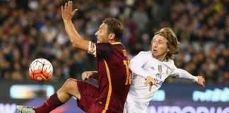 Presiden Real Madrid, Florentino Perez, akui pernah dekati bintang AS Roma, Francesco Totti, yang ternyata 'tak bisa tinggalkan Giallorossi'.
