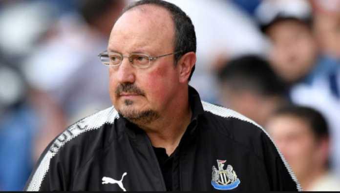 Rafa Benitez didesak gantikan Arsene Wenger di Arsenal, setelah timnya Newcastle United kalahkan the Gunners, 2-1, Minggu (15/4) malam.