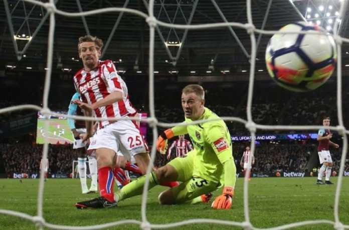 West Ham United berniat permanenkan kiper Manchester City, Joe Hart, walau kiper Timnas Inggris itu membuat West Ham urung menang di laga kontra Stoke City.