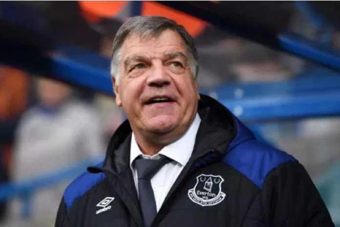 Everton resmi memecat pelatih mereka, Sam Allardyce, pada Rabu (16/5) ini.
