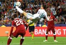 Gareth Bale melakukan tendangan salto untuk mencetak gol kedua Real Madrid pada final Liga Champions, Minggu.