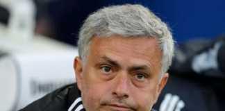 Gary Neville ungkapkan, Manchester United dibenarkan jika ingin mendepak Jose Mourinho usai kekalahan memalukan di kandang Brighton and Hove Albion, Sabtu (5/5) ini.