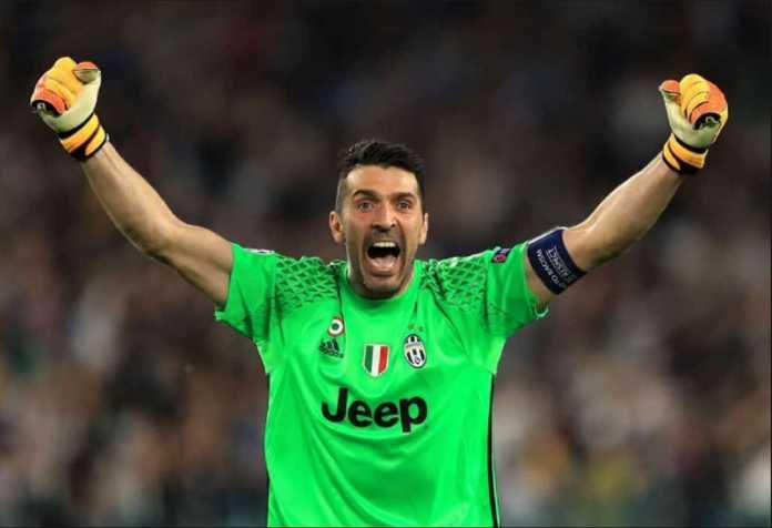 Gianluigi Buffon bukukan clean sheet ke-300 saat Juventus menang 4-0 atas AC Milan di final Coppa Italia, Kamis (10/5).