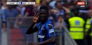 Musa Barrow merayakan golnya untuk Atalanta pada babak pertama laga Liga Italia di kandang Lazio, Minggu malam.