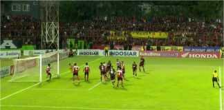 Gol PSM Makassar oleh Guy Junior di menit 57, yang membawa tuan rumah unggul 1-0. atas Madura United
