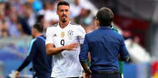 Pelatih Timnas Jerman, Joachim Loew, kesal dengan pernyataan Sandro Wagner yang langsung pensiun setelah tak dipanggil ke timnas untuk Piala Dunia Rusia.