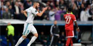 Striker Real Madrid Karim Benzema merayakan golnya ke gawang Bayern Munchen, Rabu dinihari, menyebabkan skor sama kuat 1-1, agregat 3-2.