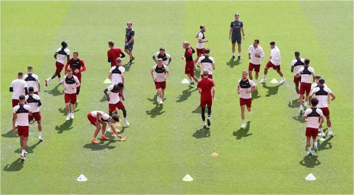 Liverpool menyelesaikan latihan terakhir mereka sebelum final Liga Champions, Minggu, di Kyiv, Ukraina.