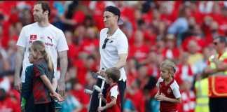 Arsenal - dan juga Timnas Prancis, akan kehilangan Laurent Koscielny hingga Desember mendatang.