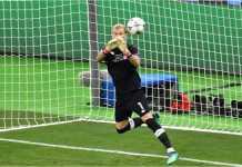 Kiper Liverpool Loris Karius berbuat dua blunder yang menghasilkan dua gol Real Madrid pada final Liga Champions.