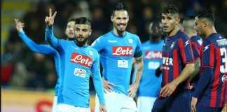 Napoli kalahkan Crotone, 2-1, dan lengserkan Crotone kembali ke Serie B.