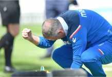 Paul Lambert menjadi manajer kelima - dan kedua hari ini - di Liga Inggris yang dipecat.