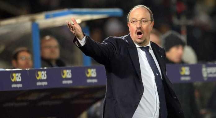 Napoli minta bekas pelatihnya, Rafa Benitez, untuk kembali mengasuh di San Paolo.