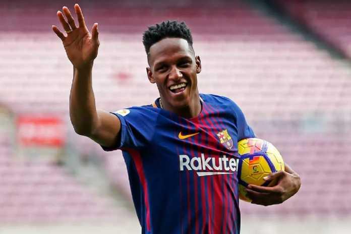Barcelona kemungkinan pinjamkan Yerry Mina ke Valencia atau Sevilla musim depan.
