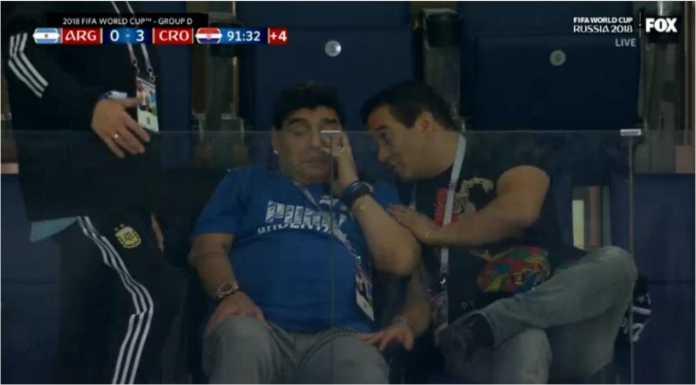Diego Maradona begitu kecewanya melihat Argentina dikalahkan tiga gol oleh Kroasia pada laga Piala DUnia 2018, Jumat dinihari.