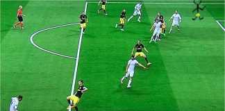 Cristiano Ronaldo berdiri dalam posisi offside dalam satu laga Real Madrid. Aturan soal offside diserahkan ke teknologi VAR pada Piala Dunia 2018.