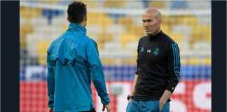 Cristiano Ronaldo dan Zinedine Zidane dalam satu sesi latihan Real Madrid.