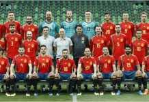Setelah 18 hari Timnas Spanyol akhirnya punya foto tim yang baru - tanpa pelatih yang mereka pecat satu hari sebelum Piala Dunia 2018 digelar, Julen Lopetegui.