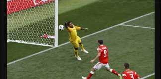 Yuri Gazinskiy dari Rusia mencetak gol pertama Piala Dunia 2018 ke gawang Arab Saudi pada menit 12 laga perdana kompetisi itu, Kamis malam.