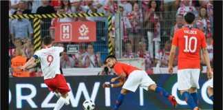 Robert Lewandowski mencetak gol pertama pada hasil imbang Polandia 2-2 lawan Chile, Sabtu dinihari.