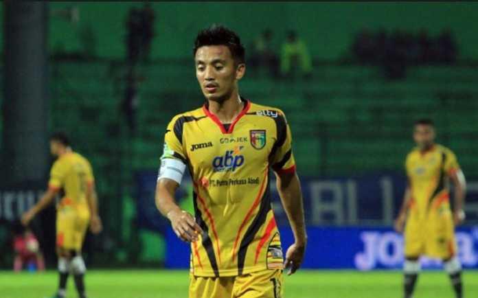 Mitra Kukar akan bermain tanpa sang kapten, Bayu Pradana, karena harus jalani sanksi akumulasi kartu, di laga kontra Barito Putera, Jumat (6/7) pekan depan.
